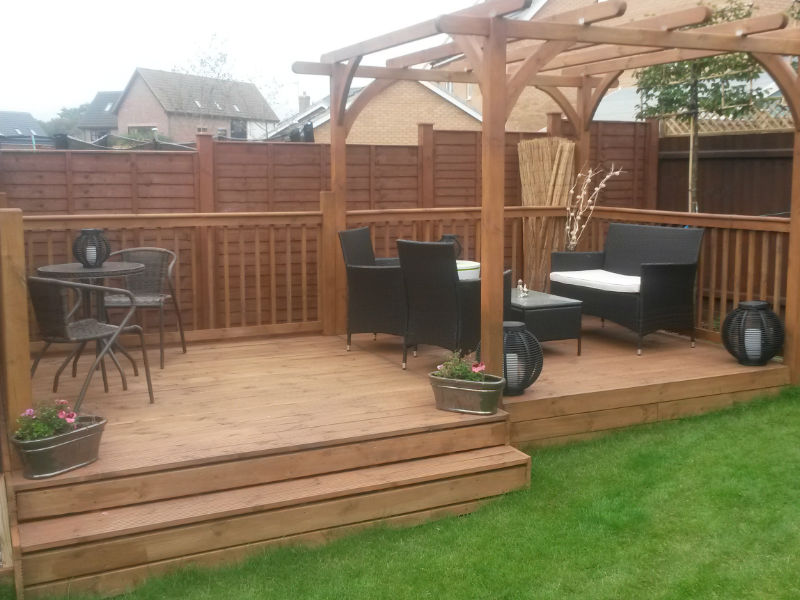 Bespoke Pergola & Decking - Ligna Carpentry - Suffolk
